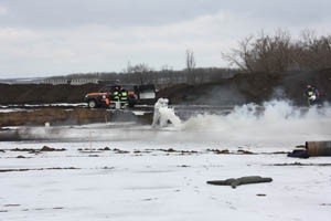 Как в Донецке спасали пассажиров загоревшегося и совершившего аварийную посадку «Боинга-737» (фото), фото-2