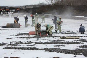 Как в Донецке спасали пассажиров загоревшегося и совершившего аварийную посадку «Боинга-737» (фото), фото-3
