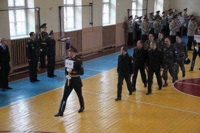 До Львова з'їхались понад 90 найсильніших гирьовиків з української армії, фото-4