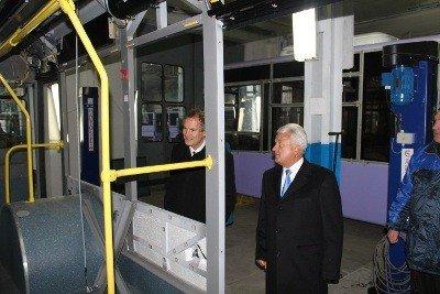Британський посол оглянув виробництво Львівського автобусного заводу, фото-4
