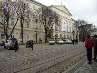 Львівські журналісти разом із міліцією виявляли водіїв-порушників. В місті відбувся рейд, фото-1