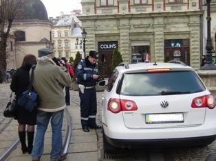 Львівські журналісти разом із міліцією виявляли водіїв-порушників. В місті відбувся рейд, фото-2
