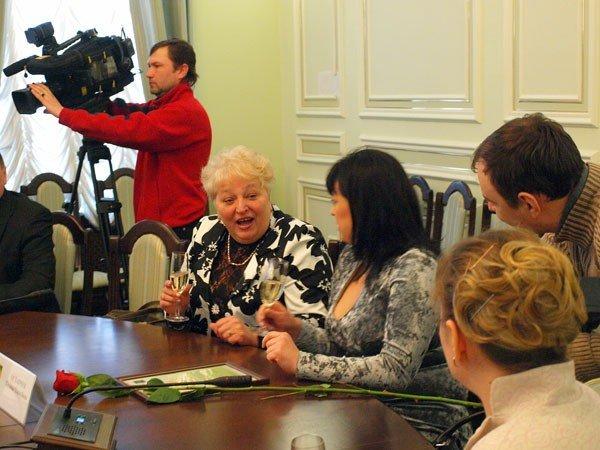В Харькове в День защиты прав потребителей наградили... работников сферы услуг (ФОТО), фото-1
