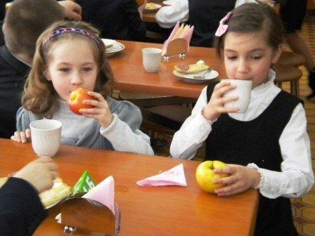 Вчера в Горловку прибыли фуры с яблоками от Шишацкого, фото-1