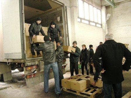Вчера в Горловку прибыли фуры с яблоками от Шишацкого, фото-4
