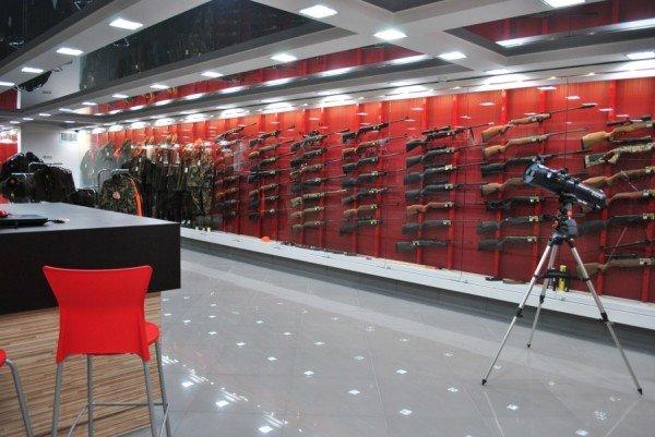 В Симферополе открылся мультибрендовый магазин товаров для активного отдыха «Охотник», фото-1