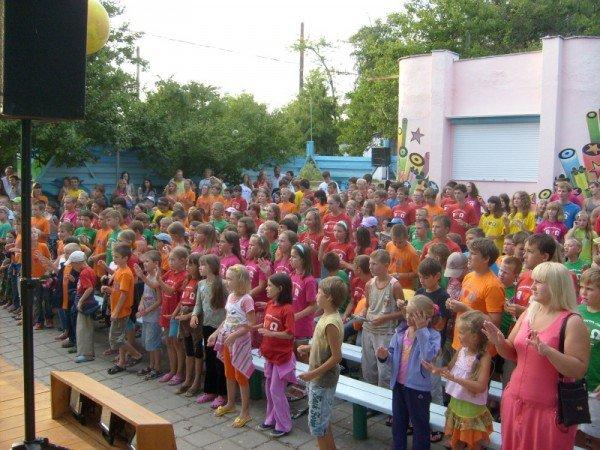 С 21 марта по 21 сентября 2012 года в Севастополе и городах АР Крым пройдет Крымский фестивальный тур «Верность детству», фото-5