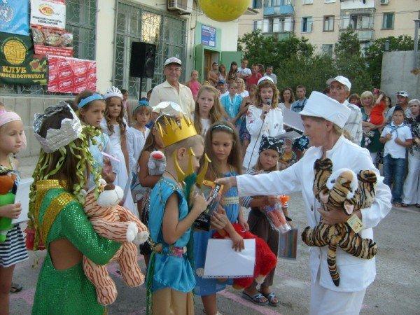 С 21 марта по 21 сентября 2012 года в Севастополе и городах АР Крым пройдет Крымский фестивальный тур «Верность детству», фото-3
