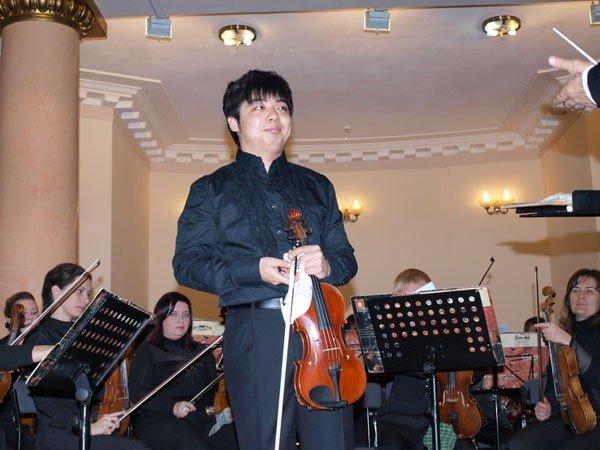 В Харькове состоялся концерт иностранных студентов и Молодежного оркестра «Слобожанский» (ФОТО), фото-1