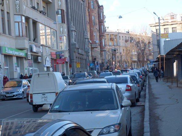 Харьковчане должны профинансировать строительство подземных паркингов, платя за  парковки вдоль дорог по 5 долларов в час  (ФОТО), фото-1