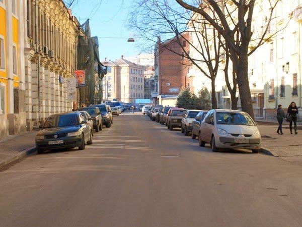 Харьковчане должны профинансировать строительство подземных паркингов, платя за  парковки вдоль дорог по 5 долларов в час  (ФОТО), фото-2