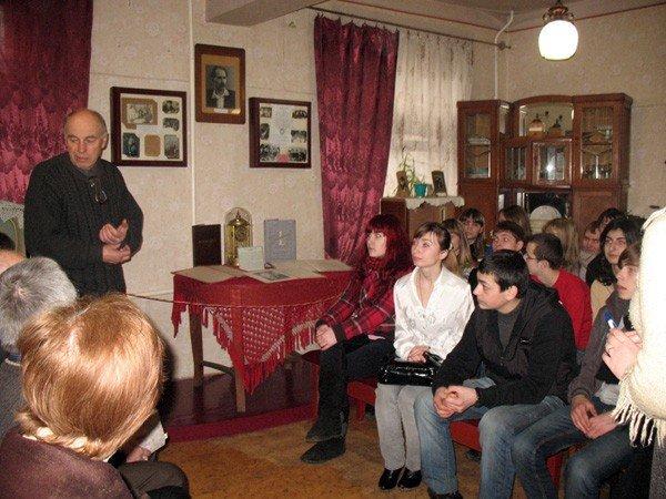 В музее истории Горловки отпраздновали Всемирный день поэзии, фото-2