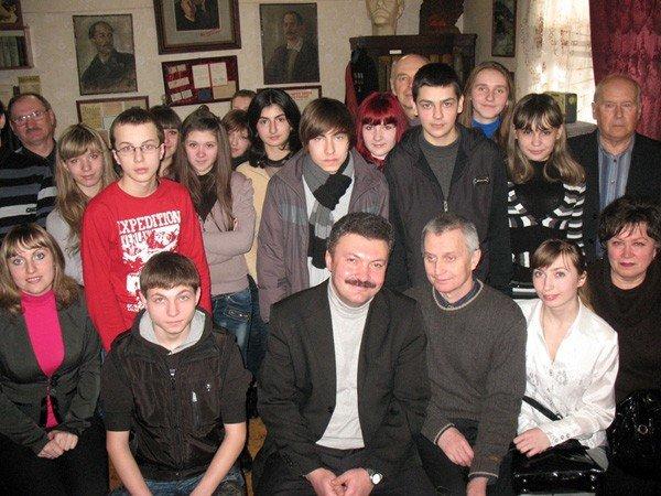 В музее истории Горловки отпраздновали Всемирный день поэзии, фото-3