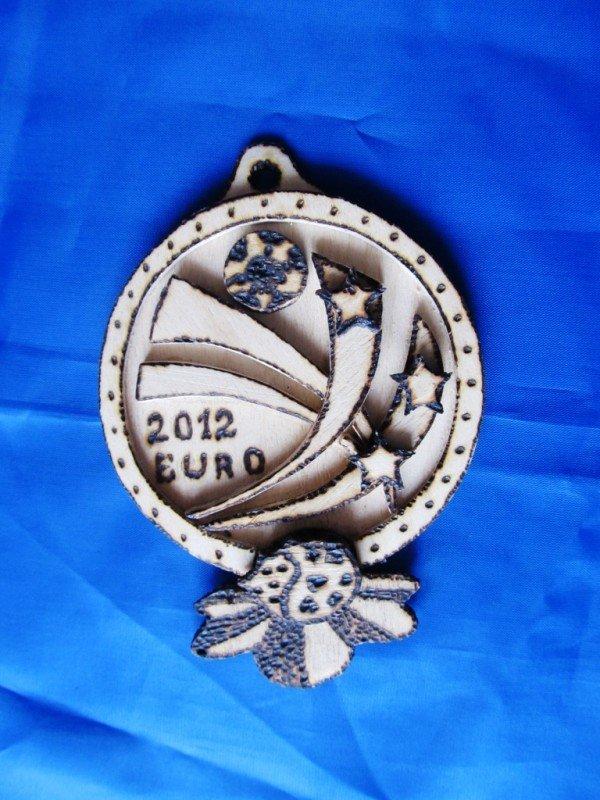 В Артемовске школьники представили медали к Евро-2012, фото-2