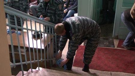 Донецкие милиционеры подключились к спасению Оксаны Макар (фото), фото-2