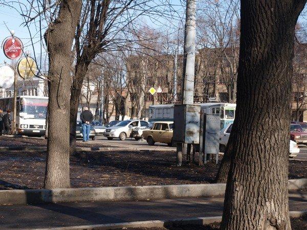 «Россиянин» «поцеловался» с «французом» на Московском проспекте (ФОТО), фото-1