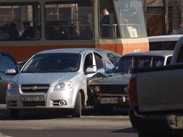 «Россиянин» «поцеловался» с «французом» на Московском проспекте (ФОТО), фото-3