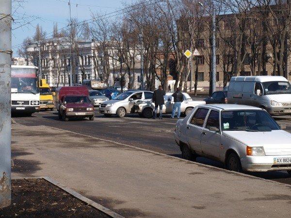 «Россиянин» «поцеловался» с «французом» на Московском проспекте (ФОТО), фото-4
