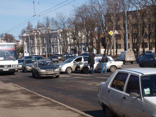 «Россиянин» «поцеловался» с «французом» на Московском проспекте (ФОТО), фото-5