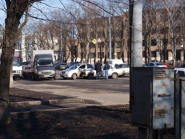 «Россиянин» «поцеловался» с «французом» на Московском проспекте (ФОТО), фото-7