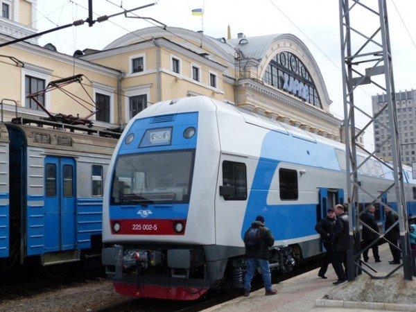 Поезд из Мариуполя в Харьков заменят двухэтажной электричкой?, фото-1