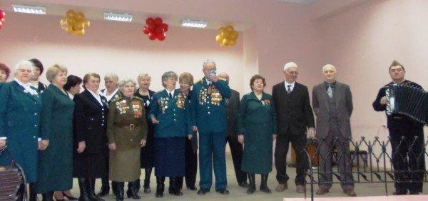 Ветераны выпили боевые сто грамм с мэром Артемовска, фото-5
