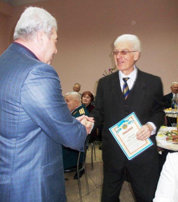 Ветераны выпили боевые сто грамм с мэром Артемовска, фото-7