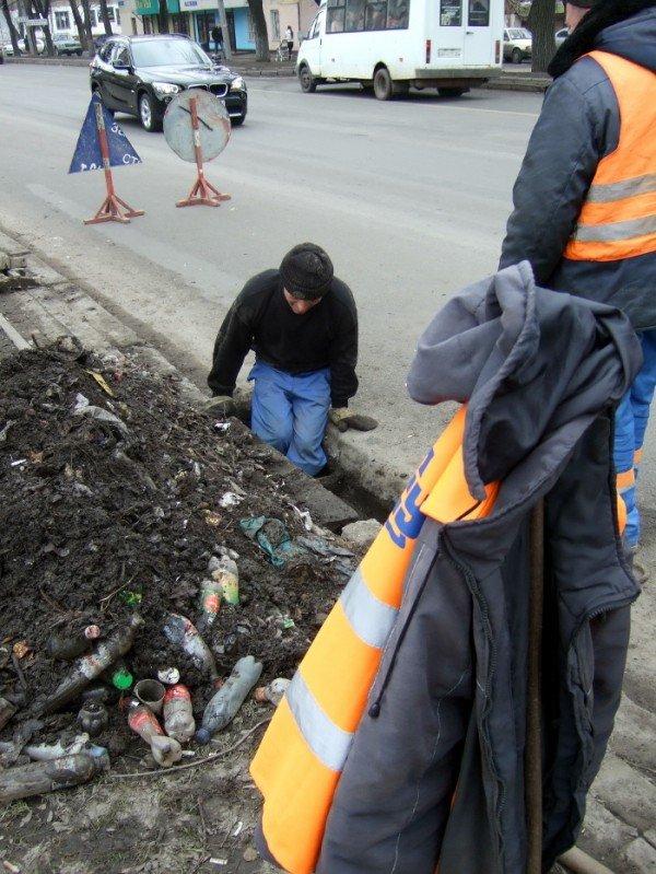 В Донецке предпринимают «героические» усилия по очистке ливневых стоков (фото), фото-2
