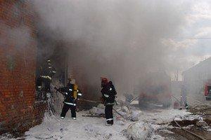 У Львові горіла фабрика по переробці вторсировини, фото-4