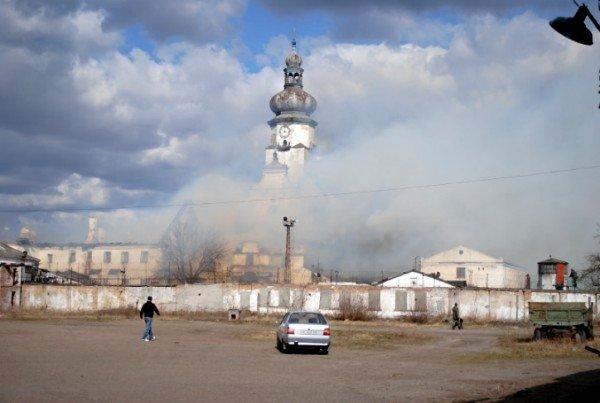 На Львівщині горить колонія, фото-3