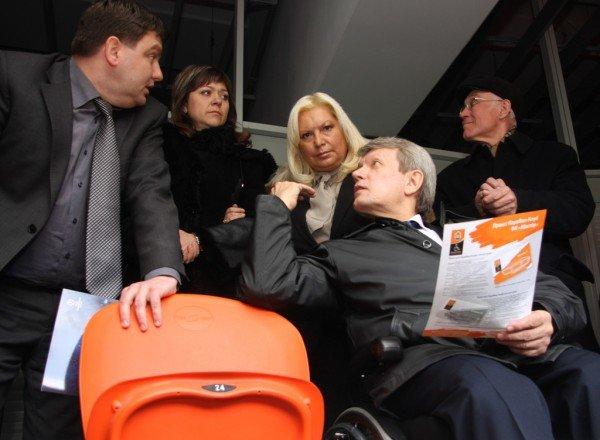 При строительстве объектов «Евро-2012» в Донецке забыли об инвалидах (фото), фото-8