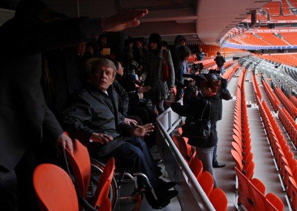 При строительстве объектов «Евро-2012» в Донецке забыли об инвалидах (фото), фото-9