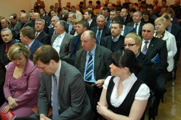 Фирташ создал давку в Крымском Совмине (фото), фото-2