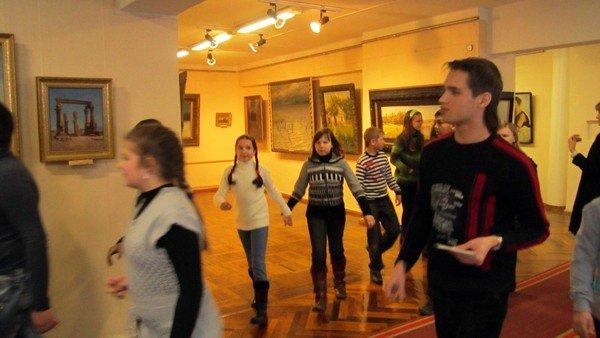 Художественный музей Горловки приглашает школьников поиграть, фото-2