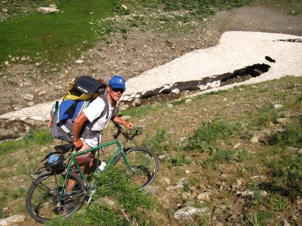 Полтавські велотуристи-альпіністи побували на Арараті (ФОТО), фото-1