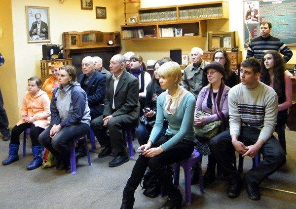 В Музее миниатюрной книги прошла презентация новых книг, посвящённая 80-летию Донбасса, фото-5