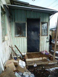 В Донецке грабители не брезгуют грабить дома, чтобы забрать пачку «Примы» и  два десятка яиц, фото-1