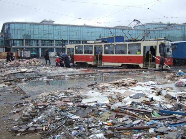 С Привокзальной площади в Донецке снесли торговые павильоны (фото), фото-4
