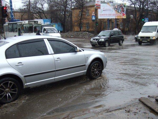 Центральные улицы Донецка непогода  превратила «в болото» (фото), фото-1