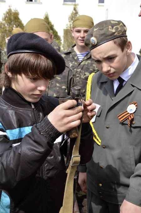 Школьники со всего Крыма съедутся в Симферополь поиграть в «Зарницу» (фото), фото-1