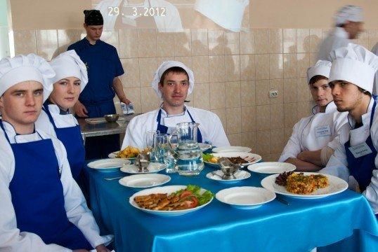 Юні вінницькі кухарі попрацювали на… «Пекельній кухні» (ФОТО), фото-1