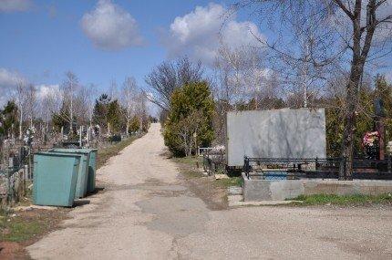 Перед Пасхой власти Симферополя вспомнили о кладбищах (фото), фото-2