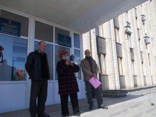 Митинг против высоких тарифов в Артемовске: и вторая попытка не увенчалась успехом (ВИДЕО), фото-10