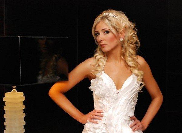 В Луганском конкурсе красоты «Miss Blonde Donbass 2012» победила блондинка из Кировограда, фото-1