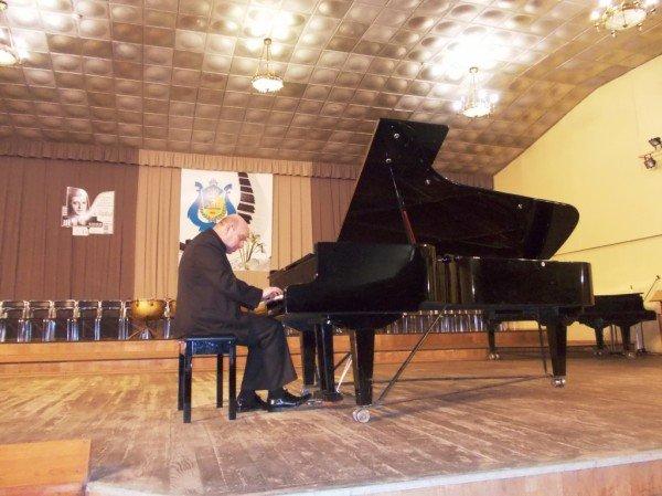 Известный белорусский пианист исполнил артемовцам Шопена и Гайдна (ВИДЕО), фото-2