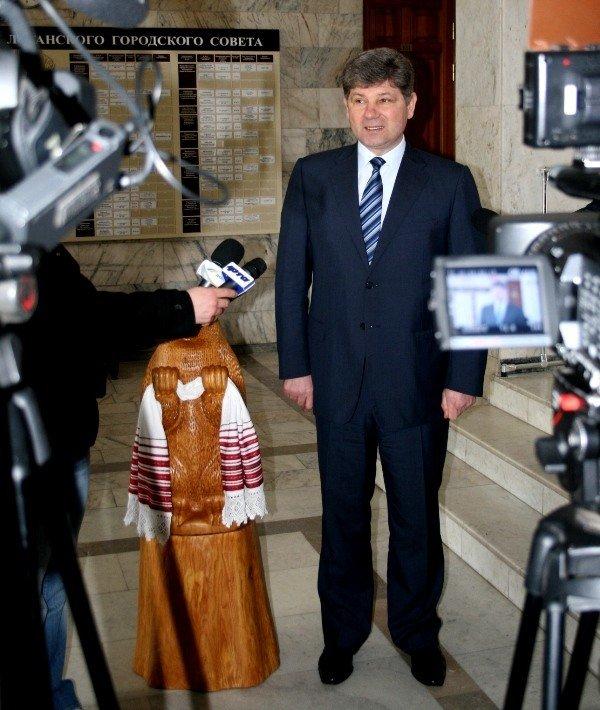 Мэр Кравченко повезет во Львов «символ добродушия» луганчан (ФОТО), фото-2