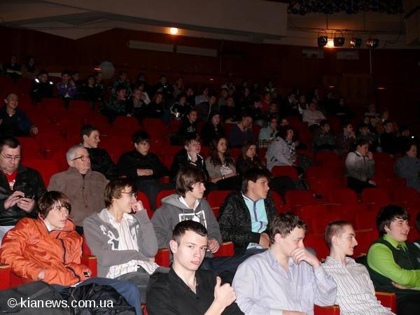 Ялтинским школьникам показали «Суд над сигаретой», фото-1