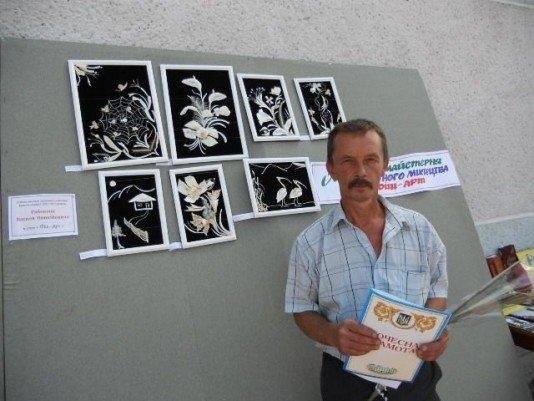 Винницкий мастер создает картины из рыбьих костей, фото-1