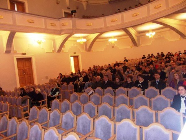 В Артемовске на концерте дирижер выстрелил в зрительский зал (ВИДЕО), фото-1