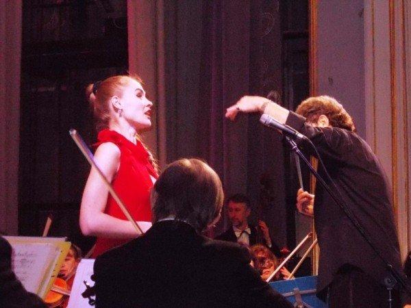 В Артемовске на концерте дирижер выстрелил в зрительский зал (ВИДЕО), фото-8